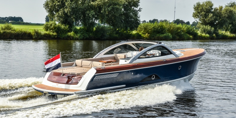 The first images of the Keizer 42 customized